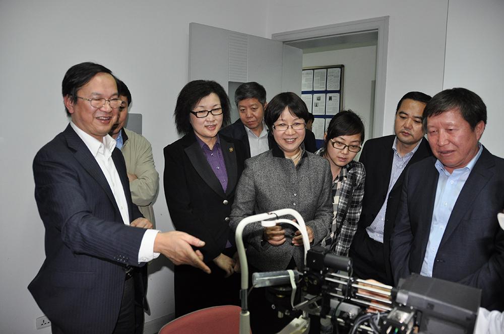 2011年5月5日,科技部副部长曹健林